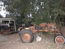 VINTAGE TRACTOR FOR SALE
