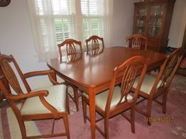 Vintage Maple Dining Table....Solid Wood. Excellent Condition.