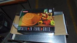 Terracotta baking dish w/lid