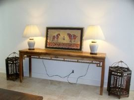 C 18th Console Table - Elmwood - Shaanki Prov. China - Pair of C19th Chinese Lanterns