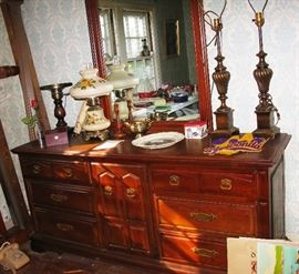 matching dresser, vintage lamps and more