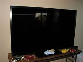 "60"" Pioneer (Sharp) 3D  Elite Television with 3D glasses"