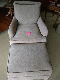 Like new, arm chair with ottoman
