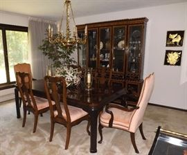 "Drexel Heritage Dining Room Table Set. 6 Chairs, 2 18"" Leaves & Pads"