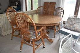 Amish Made OakTable & Chairs