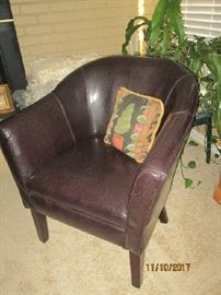 Leather barrel chair
