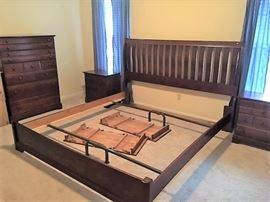 Vaughan Bassett King Bedroom Set