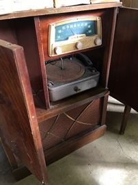 Vintage Console Radio & Record Player in Cabinet