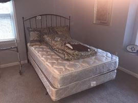 Black iron bed - bedding almost new nice set