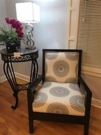 Fab grey chair with fushia color