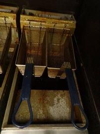 American Range 35lbs Natural Gas Floor Fryer