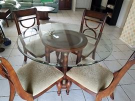 Nice dining set, no stains or rips.
