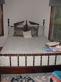 Lovely, Four Poster bed in great condition