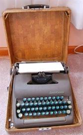 Vintage Smith-Corna Typewriter in Case