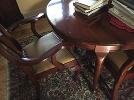 Gorgeous dining room table (Henkel Harris)