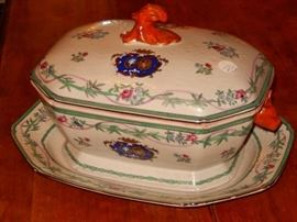 Outstanding Chinese export armorial tureen w/ underplate