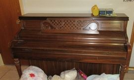 Nice Kimball spinet at a great price !