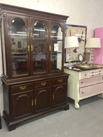 Nice Mahogany China Lighted  Cabinet