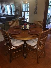 42'' Round oak table with 4 chairs