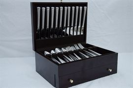 Lenox Stainless Steel 18/10 Flatware  http://www.ctonlineauctions.com/detail.asp?id=641902
