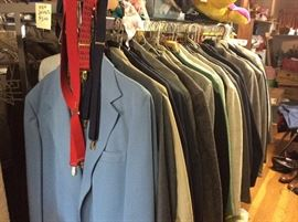 Men's suits, sports coats and jackets. Various sizes