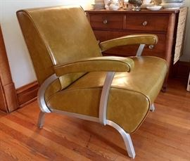 1957 Art Metal Construction Company lounge chair. Aluminum frame with original vinyl upholstery in terrific condition. Date stamped on frame.