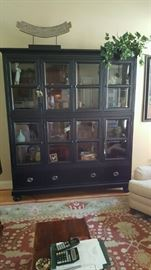 Beautiful Thomasville display / storage cabinet