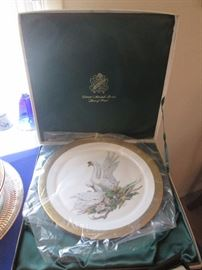 Stunning collectible plate in box Boehm 24 K gold trim