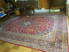 GREAT LARGE ANTIQUE HANDMADE ALL WOOL RUG.