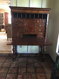 Chippendale desk on stand c.1790