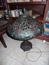 Tiffany style lamps, mostly in pairs