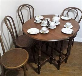 Gate legged oval drop leaf table, Bentwood parlor chairs, luster ware