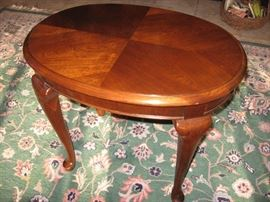Pennsylvania House oval cherry end table, cabriole legs $125
