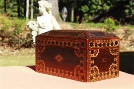 19th Marquetry Box Estuche de Marquetera en Caobo