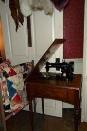 Antique Quilts,Antique Sewing Machine.