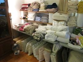 Queen Bed Sheets, Pillows, Throws, Blankets In Nice Condition