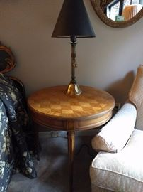 Nicely inlaid pecan wood side table, with one of a pair of Italian table lamps.