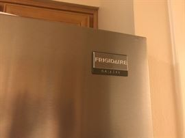 Frigidaire refrigerator with Manual.