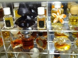 Flacon perfume collection