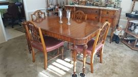 $275   Antique dining room table with 6 chairs and extra leaf