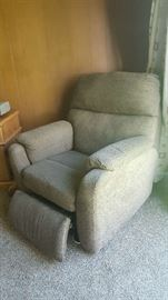 $225    Electric recliner