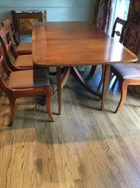 Duncan Phyfe extending table with 8 chairs