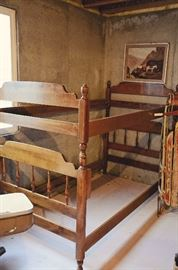 Ethan Allen vintage bunk/trundle bed