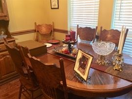 Large quality dining room set with 6 chairs