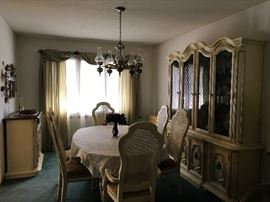 Dining Room table & 6 chairs, buffet & server