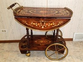 Beverage cart/table