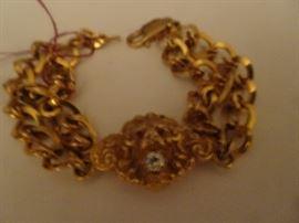 14K Lion Bracelet with Diamond