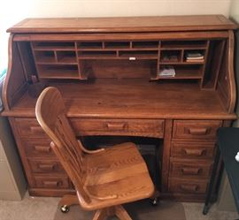 Beautiful Oak,  Roll top desk and chair