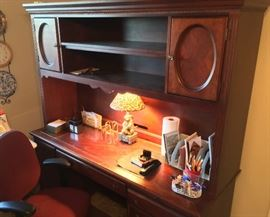Beautiful Mahogany Desk and chair.
