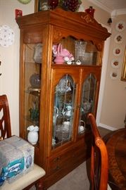Vintage oak china hutch/curio cabinet
